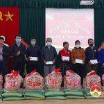 Ngân hàng CSXH Đô Lương và UBMTTQ xã Đặng Sơn: Trao tặng trên 80 suất quà tết cho hộ nghèo