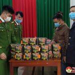 Công an huyện Đô Lương bắt giữ đối tượng vận chuyển 30 kg pháo pháo trái phép