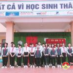 Trường THCS xã Nam Sơn trao thưởng cho các em đạt giải kì thi học sinh giỏi tỉnh năm học 2020 – 2021.