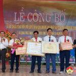 Xã Trù Sơn đón nhận bằng công nhận xã đạt chuẩn Nông thôn mới và quyết định công nhận làng nghề nối đất.