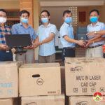 Công ty Xăng dầu Nghệ An trao tặng 10 bộ máy vi tính cho UBND Thị Trấn Đô Lương