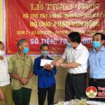 Lễ bàn giao nhà Đại đoàn kết cho gia đình ông Phạm Văn Hồng ở xã Đại Sơn.