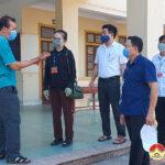 Đồng chí Nguyễn Thị Anh Quang – Phó chủ tịch UBND huyện kiểm tra công tác chuẩn bị kì thi tuyển sinh vào lớp 10.