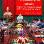 UBND huyện Đô Lương hội nghị giao ban các ban, ngành, phòng, đơn vị thuộc lĩnh vực kinh tế.