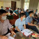 Đồng chí Nguyễn Tất Hoài Hiệp Phó Bí thư thường trực Huyện ủy dự sinh hoạt chi bộ xóm 6 xã Tràng Sơn