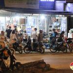 Đô Lương nhiều người dân đi mua hàng hóa trước khi thực hiện Chỉ thị 16/CT- TTg của Thủ tướng Chính phủ