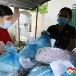 Xã Tràng Sơn nấu 160 suất cơm phục vụ những người cách ly tập trung