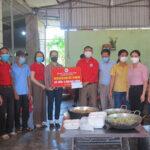 Hội chữ thập đỏ trao 58 triệu đồng ủng hộ bữa cơm cho các điểm cách ly tập trung