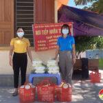 Linh mục Nguyễn Văn Thanh hộ trợ 100 suất cơm cho người cách ly tại các xã