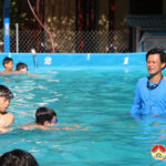 Trường THCS Lý Nhật Quang tổ chức dạy bơi cho 160 học sinh