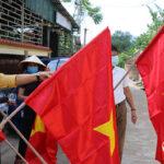 Huyện Đô Lương trao 400 cờ Tổ Quốc cho các  Giáo họ