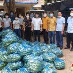 Đô Lương hỗ trợ 8 tấn rau xanh cho người dân thành phố Vinh