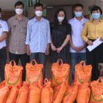 Bà Nguyễn Thị Nga tặng nhiều vật tư y tế phòng chống dịch bệnh Covid – 19