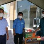 Đồng chí Hoàng Văn Hiệp- Chủ tịch UBND huyện kiểm tra  các khu cách ly tập trung và chốt trực phòng, chống dịch Covid – 19