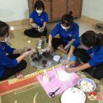 Thanh niên Văn Sơn làm bánh Trung thu gây quỹ tặng học sinh khó khăn