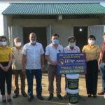 Công ty cổ phần tập đoàn Thành Thắng, văn phòng Bắc Trung Bộ – hãng sơn Levist – Nano trao tặng sơn nhà Đại đoàn kết