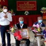 Đảng bộ xã Bồi Sơn tổ chức lễ trao huy hiệu Đảng cho các đảng viên